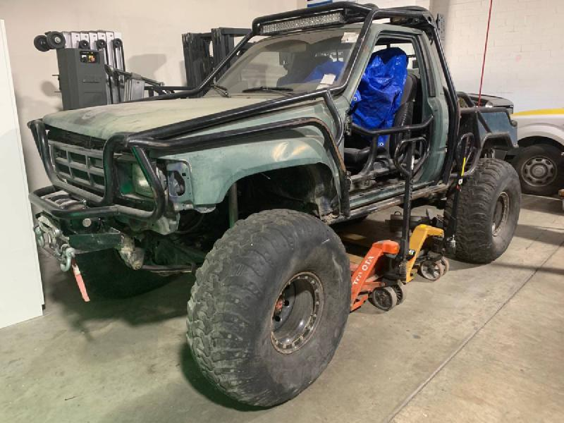 1987 Toyota Pickup, dual cases, winch, propane For Sale - 1
