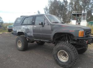 1989 Toyota 4Runner, duals, 9k Warn, Bobby Longs, locked For Sale