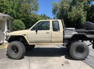 1991 Toyota Pickup, 3.4L, SAS, duals, e-lockers, 37s For Sale