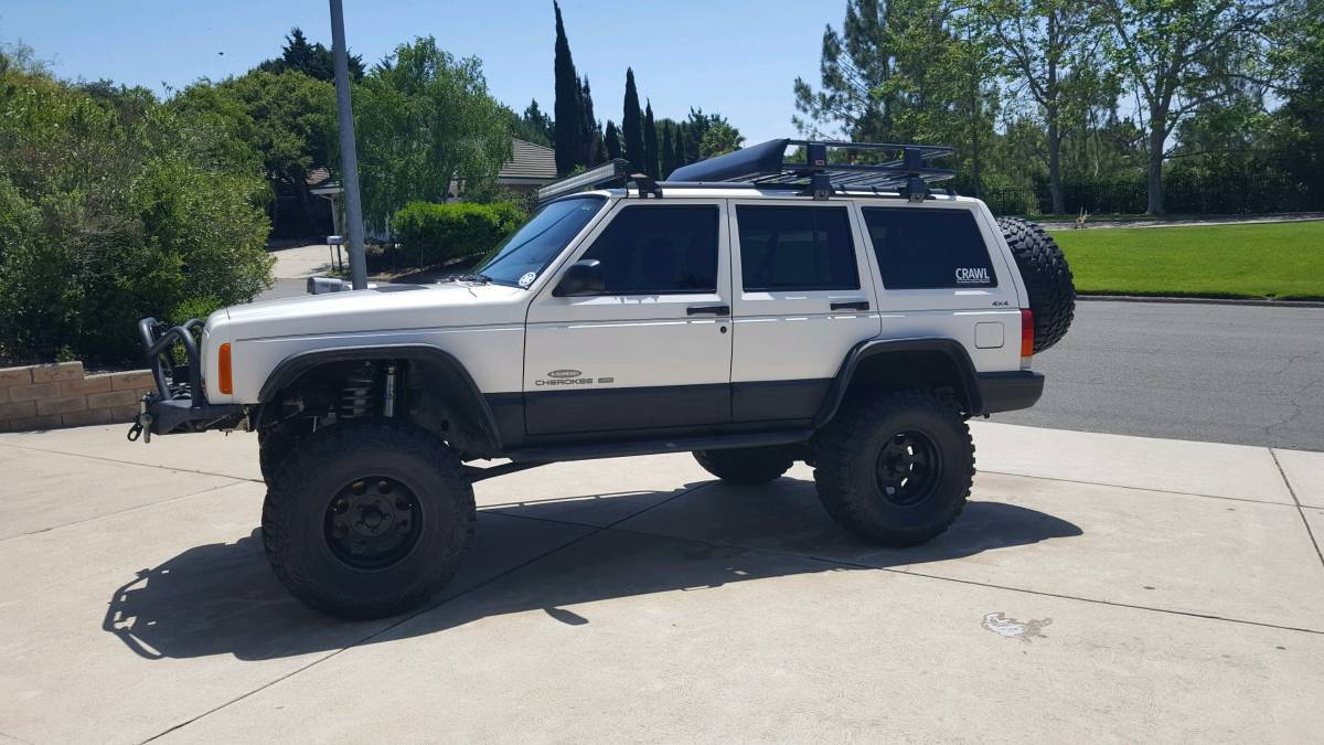 1998 Jeep Cherokee XJ, winch, on 33s - BuiltRigs