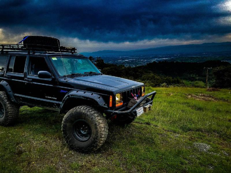 1998 Jeep Cherokee XJ on 35s, winch, manual For Sale - 1