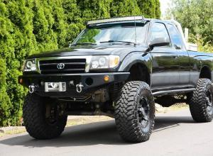 "2000 Toyota Tacoma, winch, 34"" Toyos, 6"" lift For Sale"