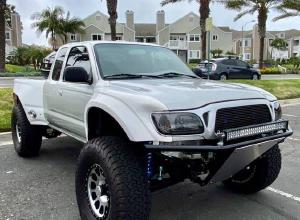 2001 Toyota Tacoma Prerunner on 37s, built suspension with Kings For Sale